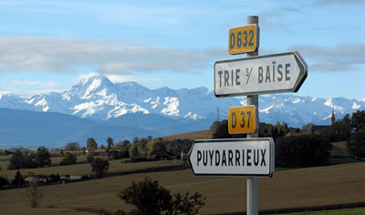 signpost to puydarrieux