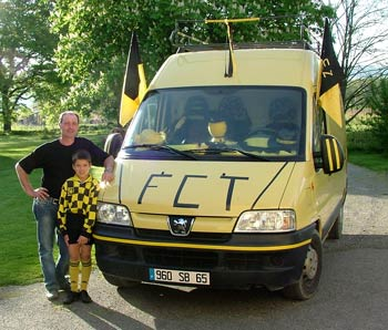 the trie supporters bus